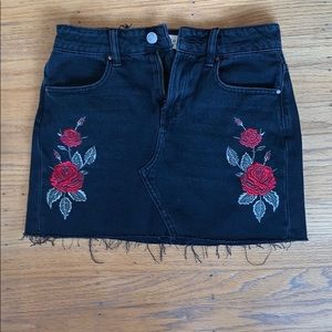 pacsun black denim skirt with embroidered flowers